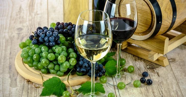 ワインボトルにメッセージを入れたい!名入れワインを作るには?