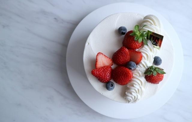 ケーキのろうそく本数は何本にする?垂れた部分は食べれるのかどうかも